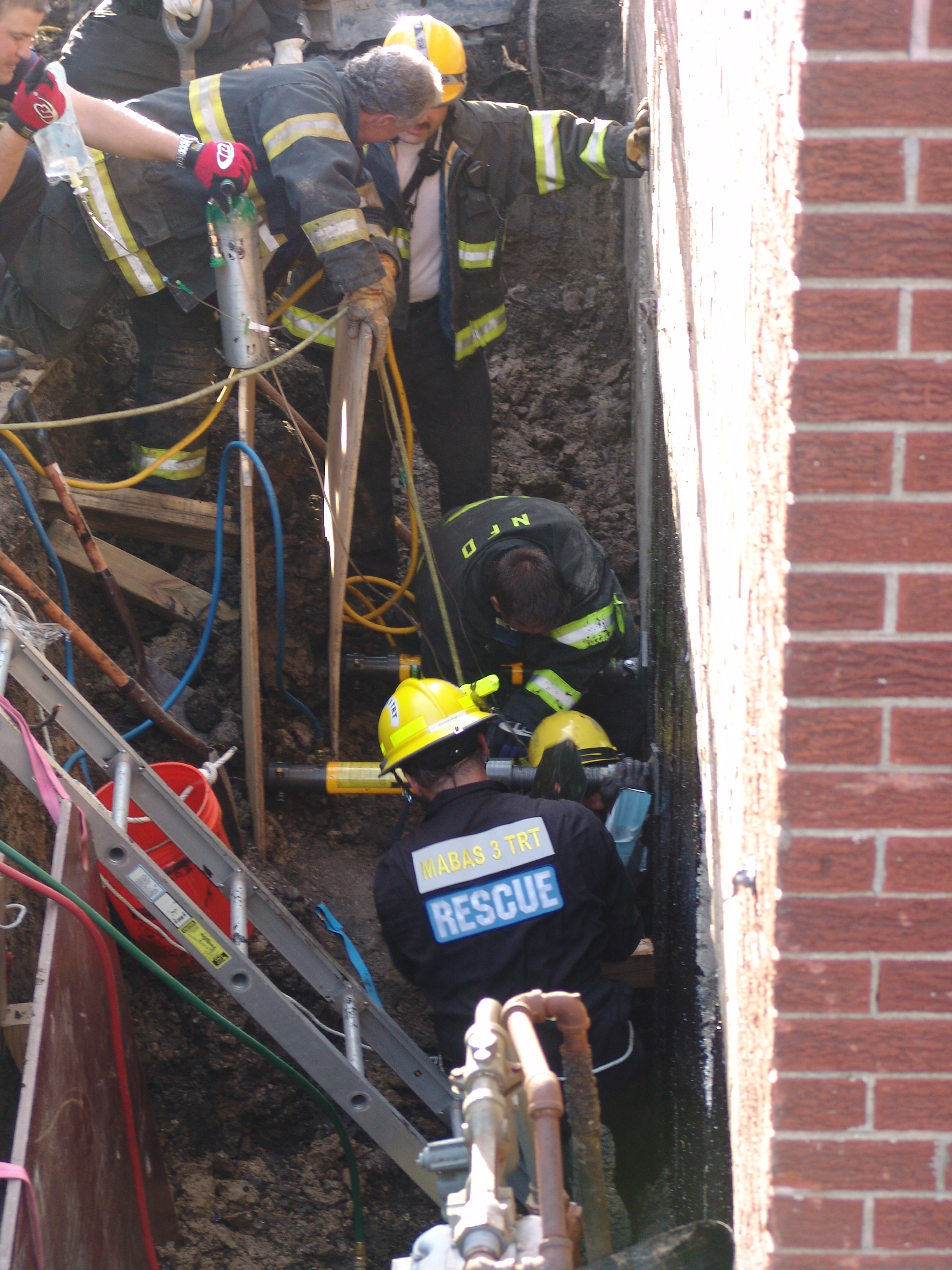 Niles Fire Department Man In Trench SRT BOX 049