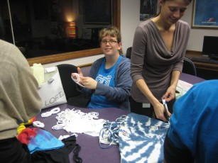 Making Scarves from old T-shirts with the Social Workers